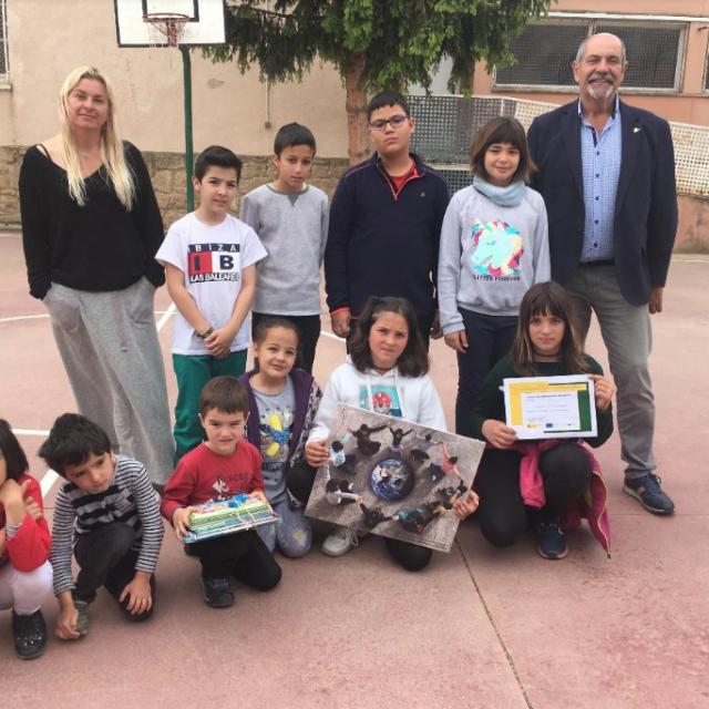 Entrega de premio del concurso de fotografía del proyecto Sensibilización del hecho migratorio en escuelas de zonas rurales
